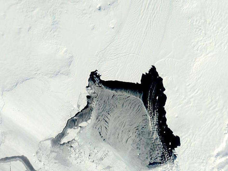 Terra's MODIS instrument captured this image of the Pine Island Glacier rift on Oct. 12, 2012.