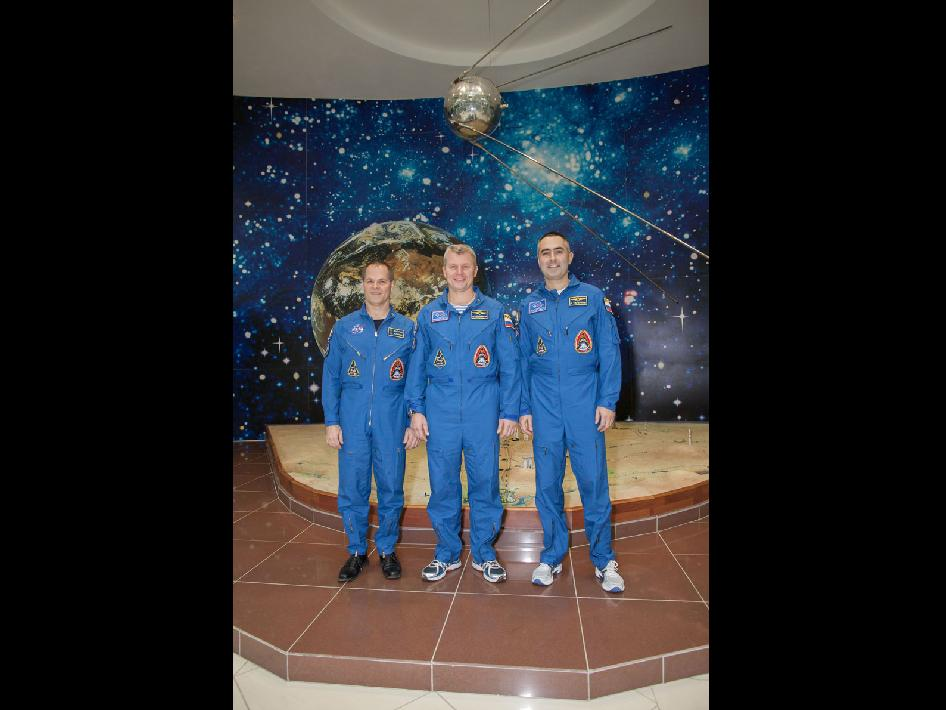 Expedition 33 crew
