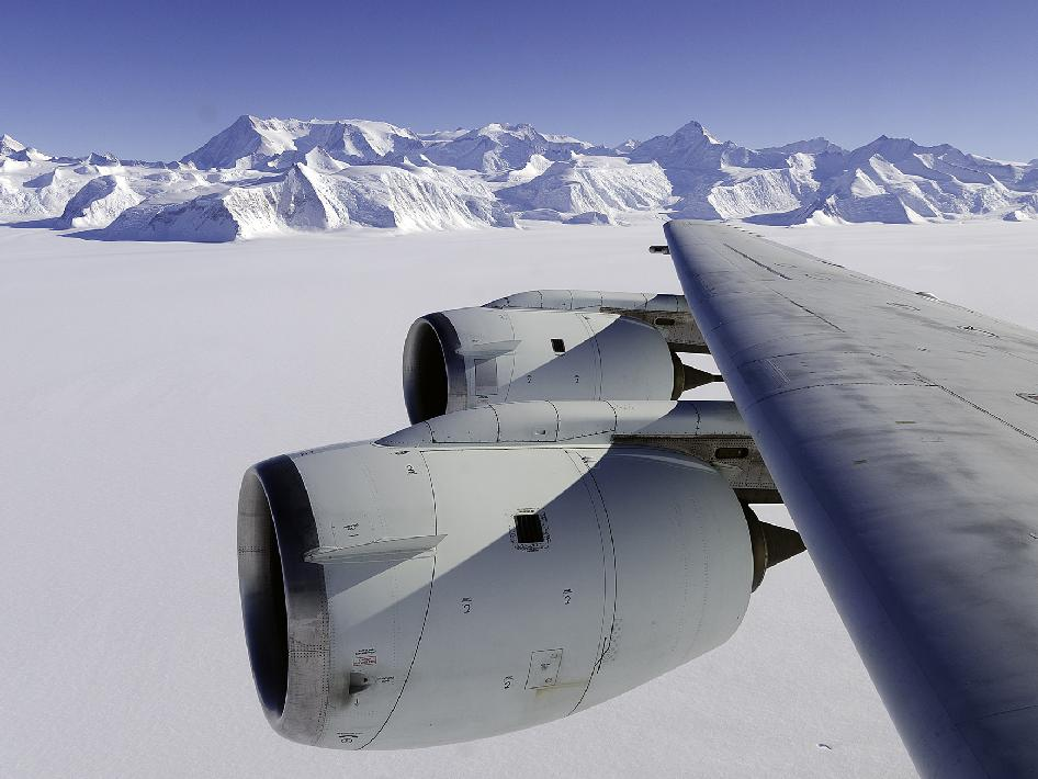 http://www.nasa.gov/images/content/699940main_ice_bridge_cropped_946-710.jpg