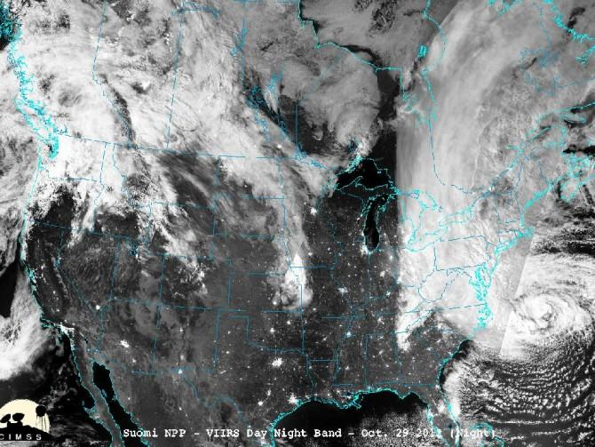 Supertempestade Sandy é citado como exemplo de evento extremo que evidencia a mudança climática. Foto de satélite NASA/NOAA.