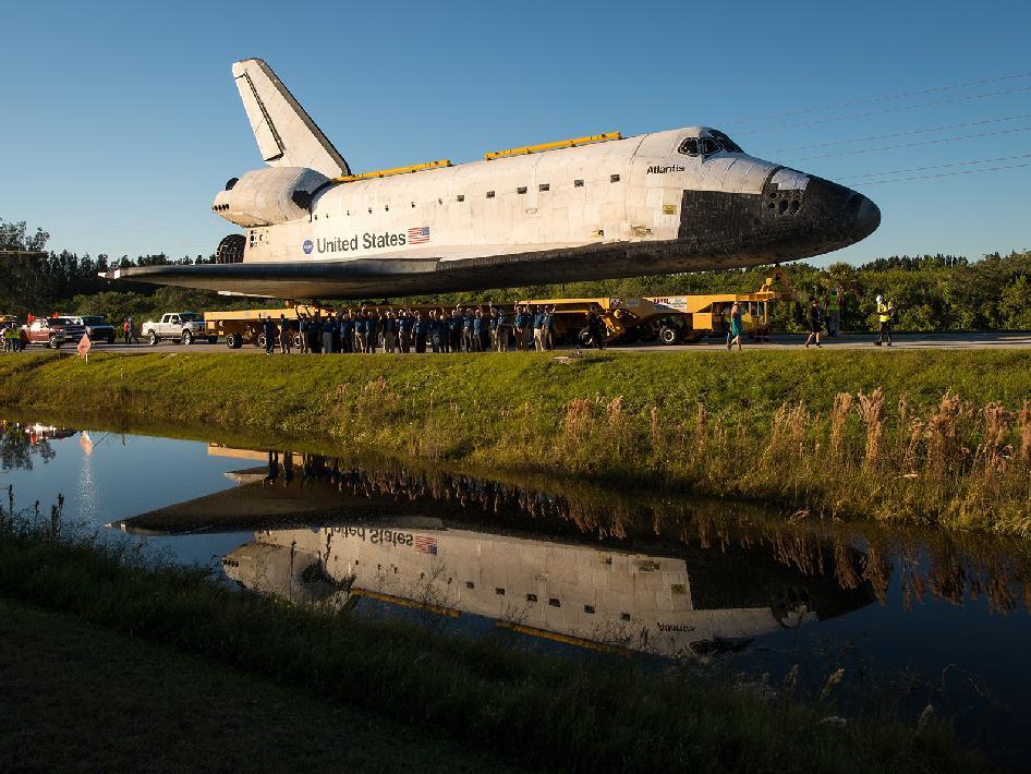 NASA - Space Shuttle Atlantis Move
