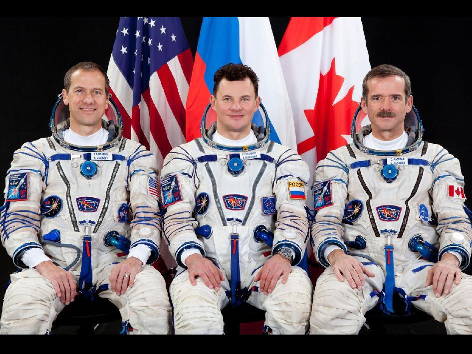 Expedition 34/35 crew members