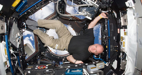 iss025e007363 -- Scott Kelly