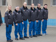 JSC2012-E-241582: Expedition 34 prime and backup crews