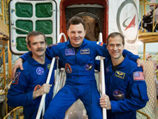 JSC2012-E-242594: Expedition 34 crew members
