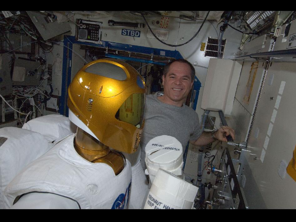 Robonaut 2 and Astronaut Kevin Ford