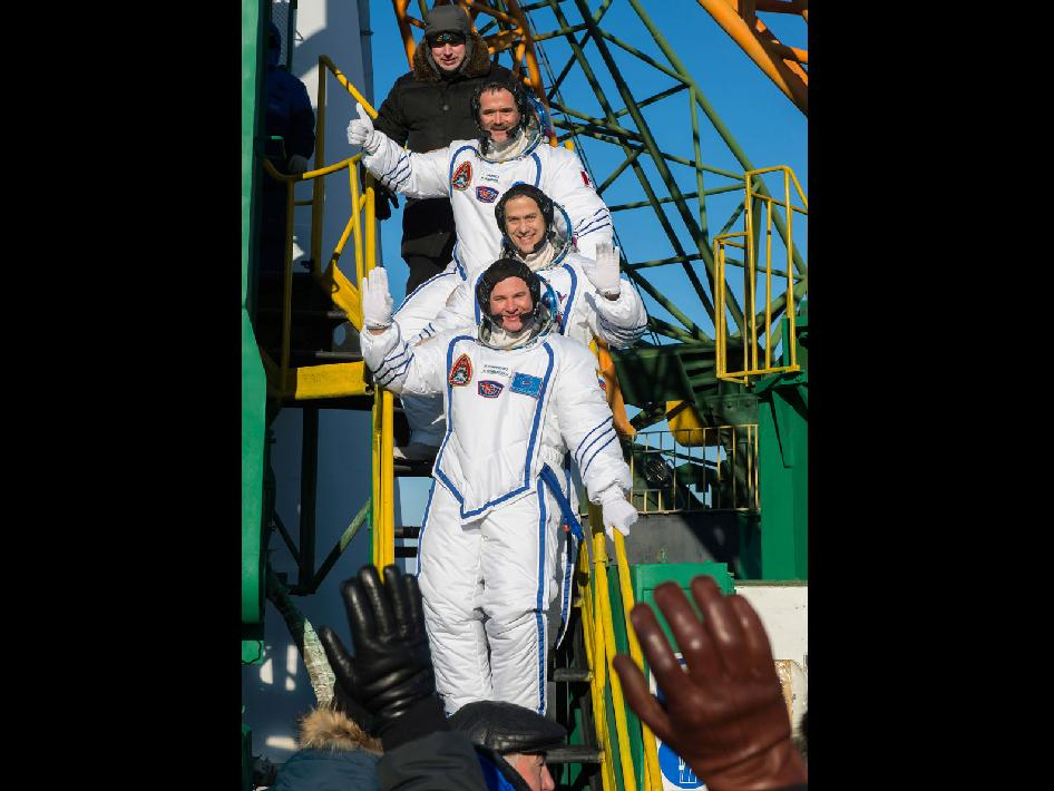 Expedition 34 crew