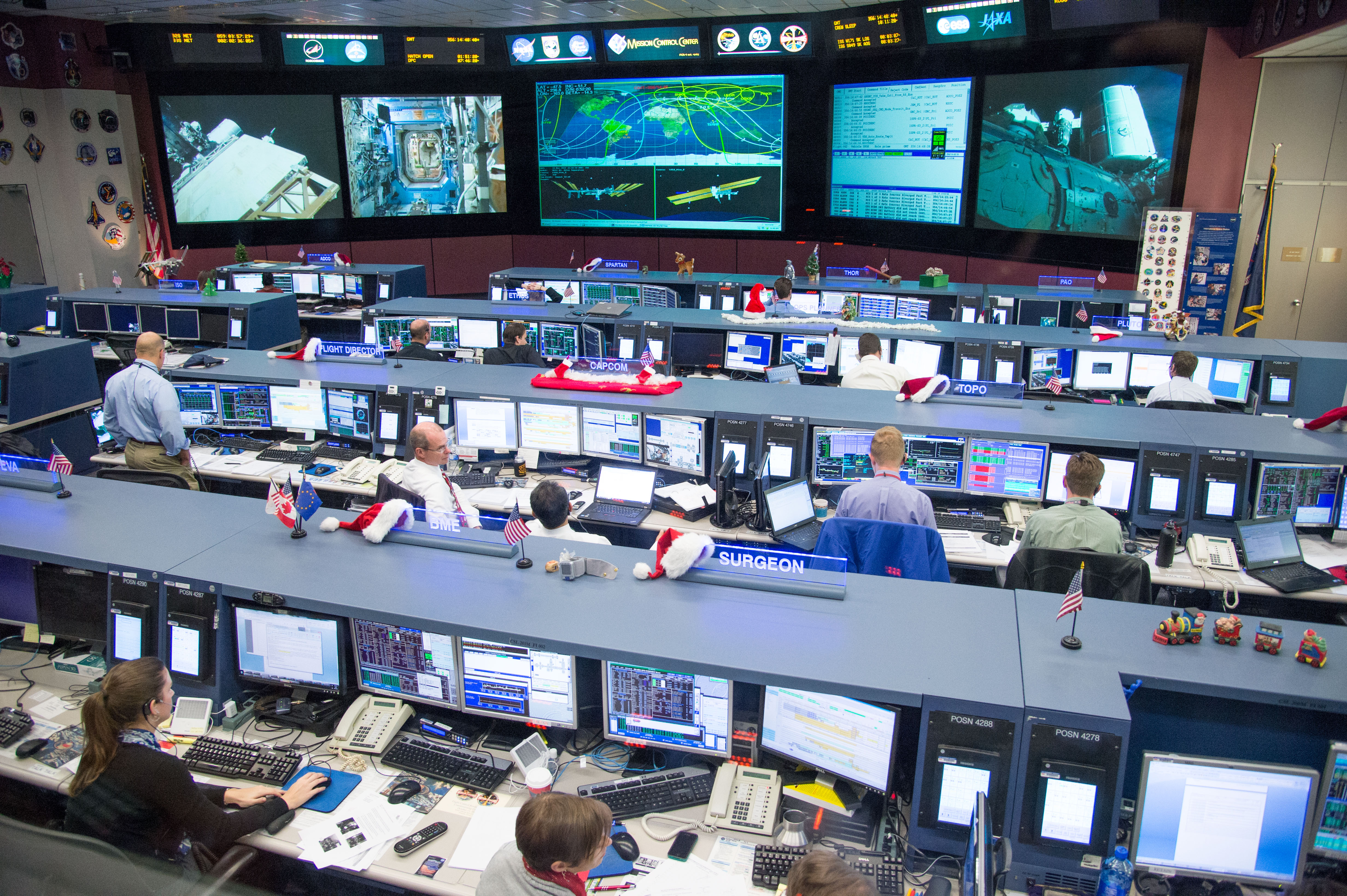NASA - Flight controllers in the Space Station Flight ...