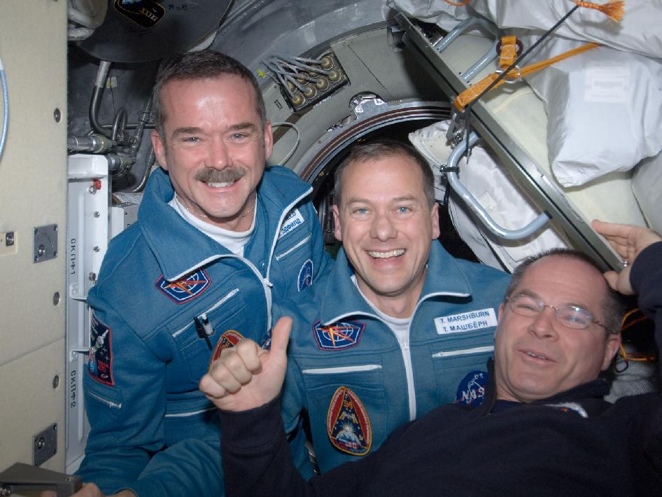 Kevin Ford welcomes Chris Hadfield and Tom Marshburn