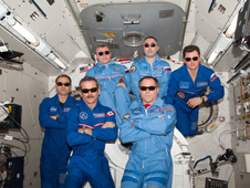 iss034e031677 -- Expedition 34 crew members