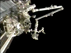 Flight Controllers use Canadarm2