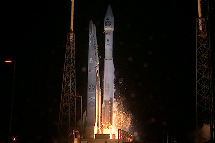 http://www.nasa.gov/images/content/723618main_tdrsk_launch720.jpg