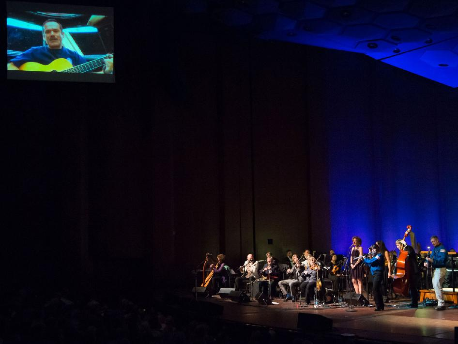 Astronauts join Chieftains and Houston Symphony on stage