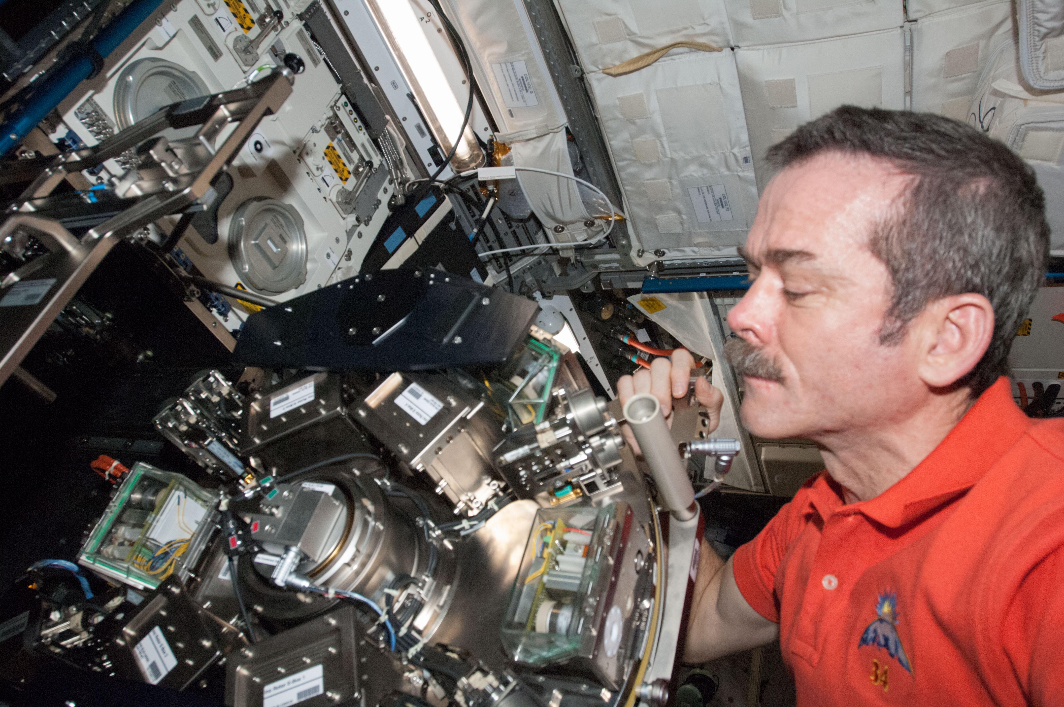canadian space agency astronaut chris hadfield - photo #20