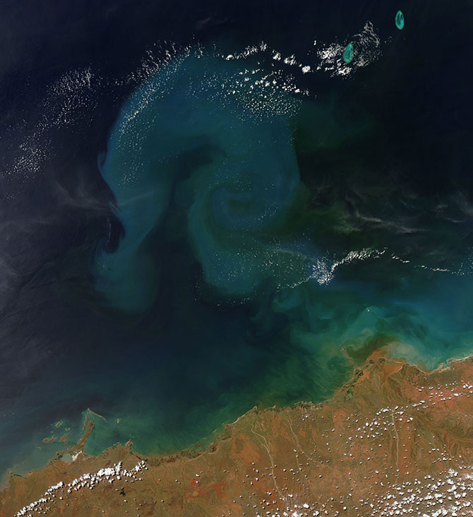 Cyclone Rusty's heavy rains created sediment off the coast of Australia.
