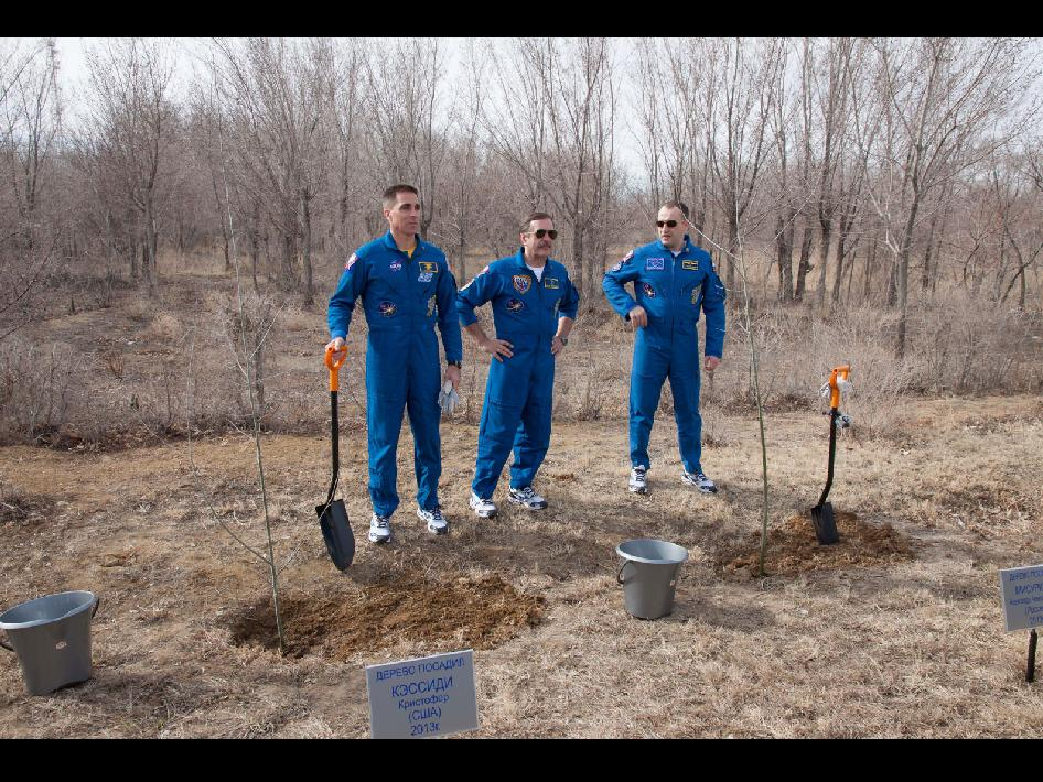 Expedition 35-36 Crew Members