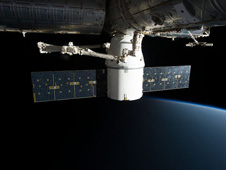 iss034e060657 -- SpaceX Dragon