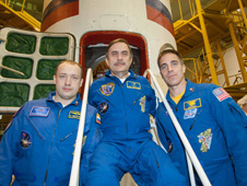 jsc2013e018158 -- Alexander Misurkin (left), Pavel Vinogradov (center) and Chris Cassidy