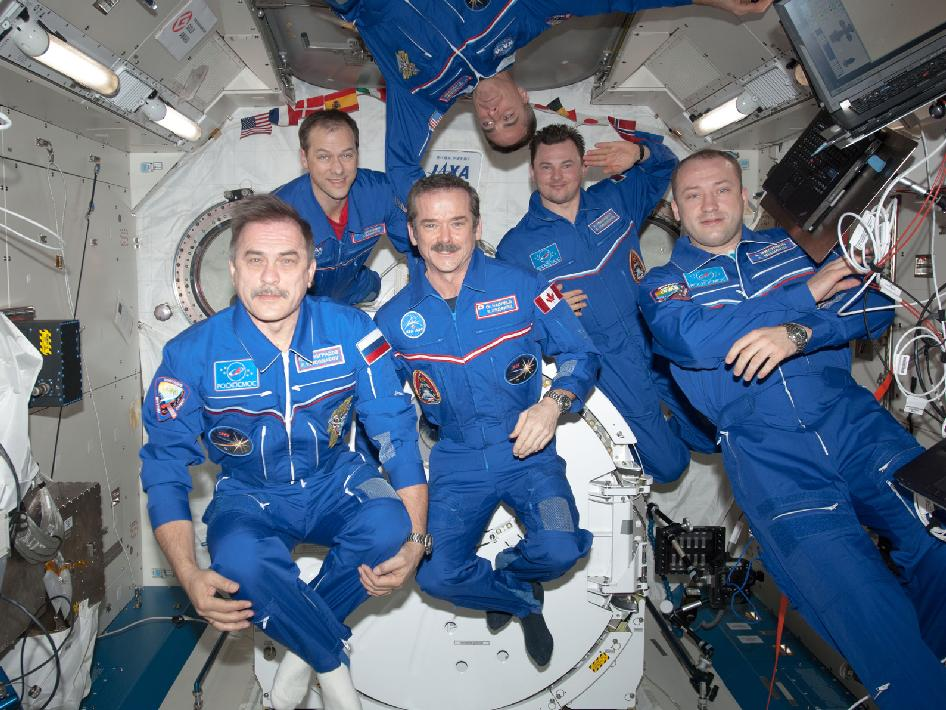 The Expedition 35 crew members