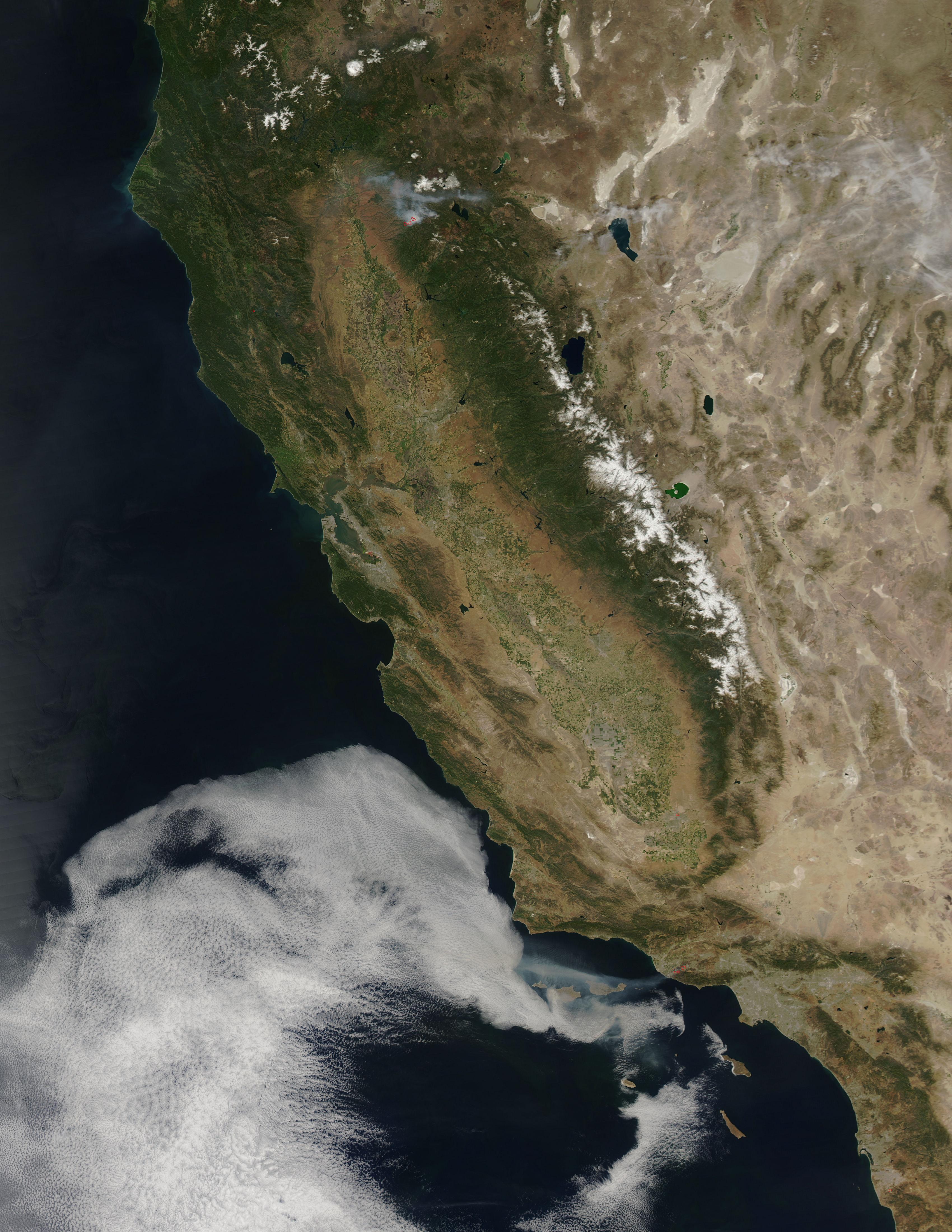 NASA sees Springs Fire rage Near Malibu, Calif ...