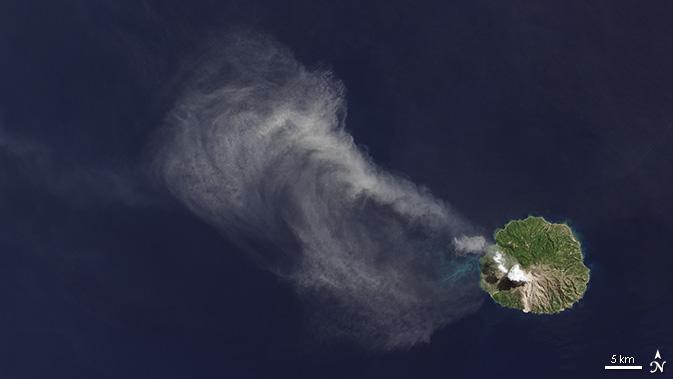 LDCM image of Paluweh volcano