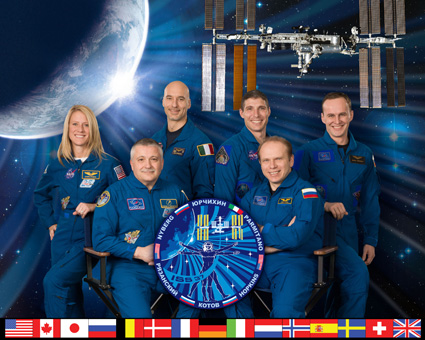 iss037-s-002 -- Expedition 37 crew portrait
