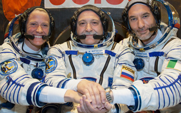 Expedition 36 Crew from left to right: Karen Nyberg, Fyodor Yurchikhin, and Luca Parmitano.
