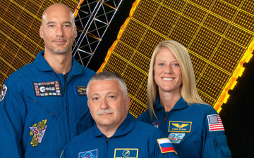Expedition 36 Crew from left to right: Luca Parmitano, Fyodor Yurchikhin and Karen Nyberg.