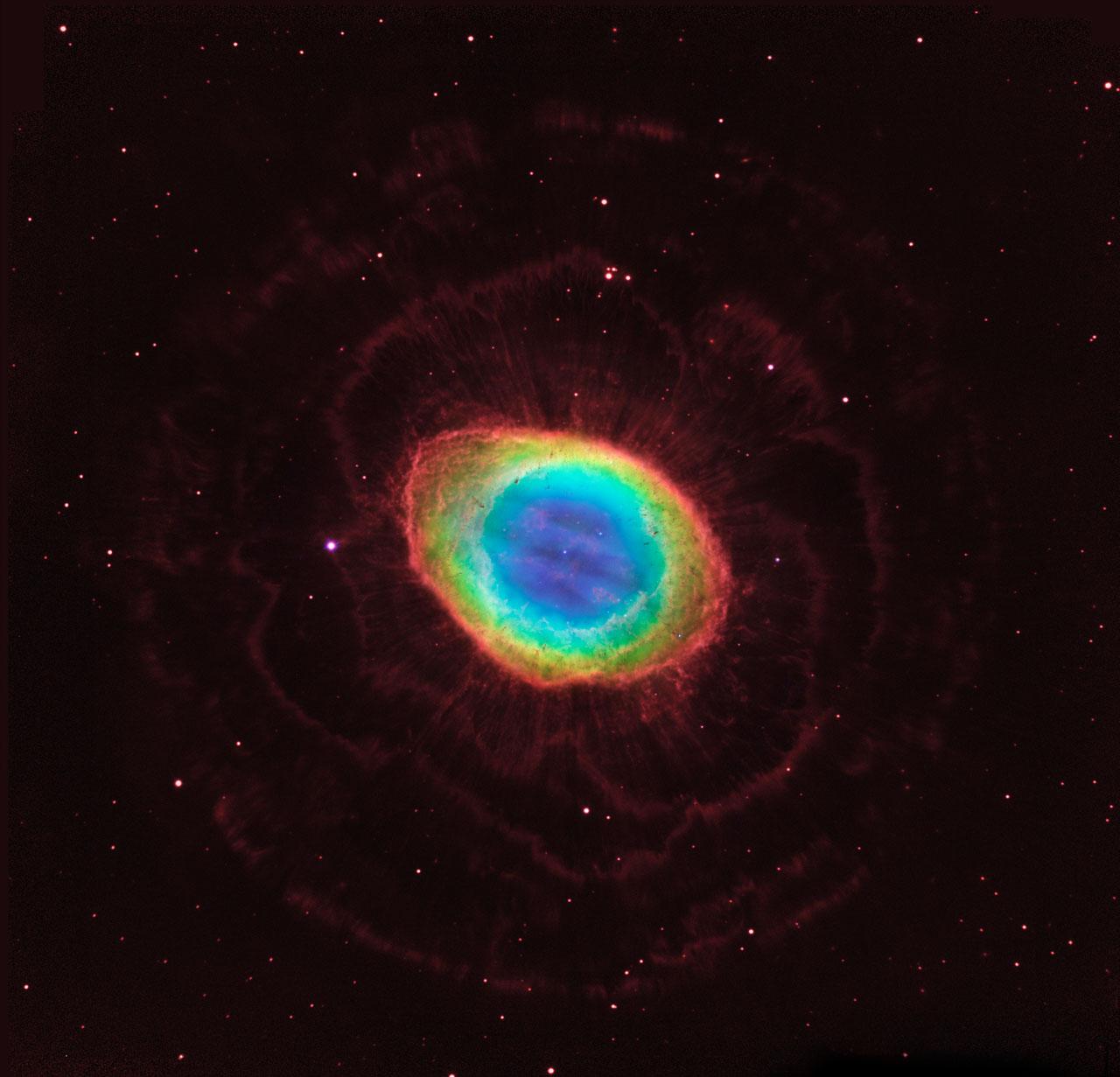 NASA - Hubble reveals the Ring Nebula's true shape