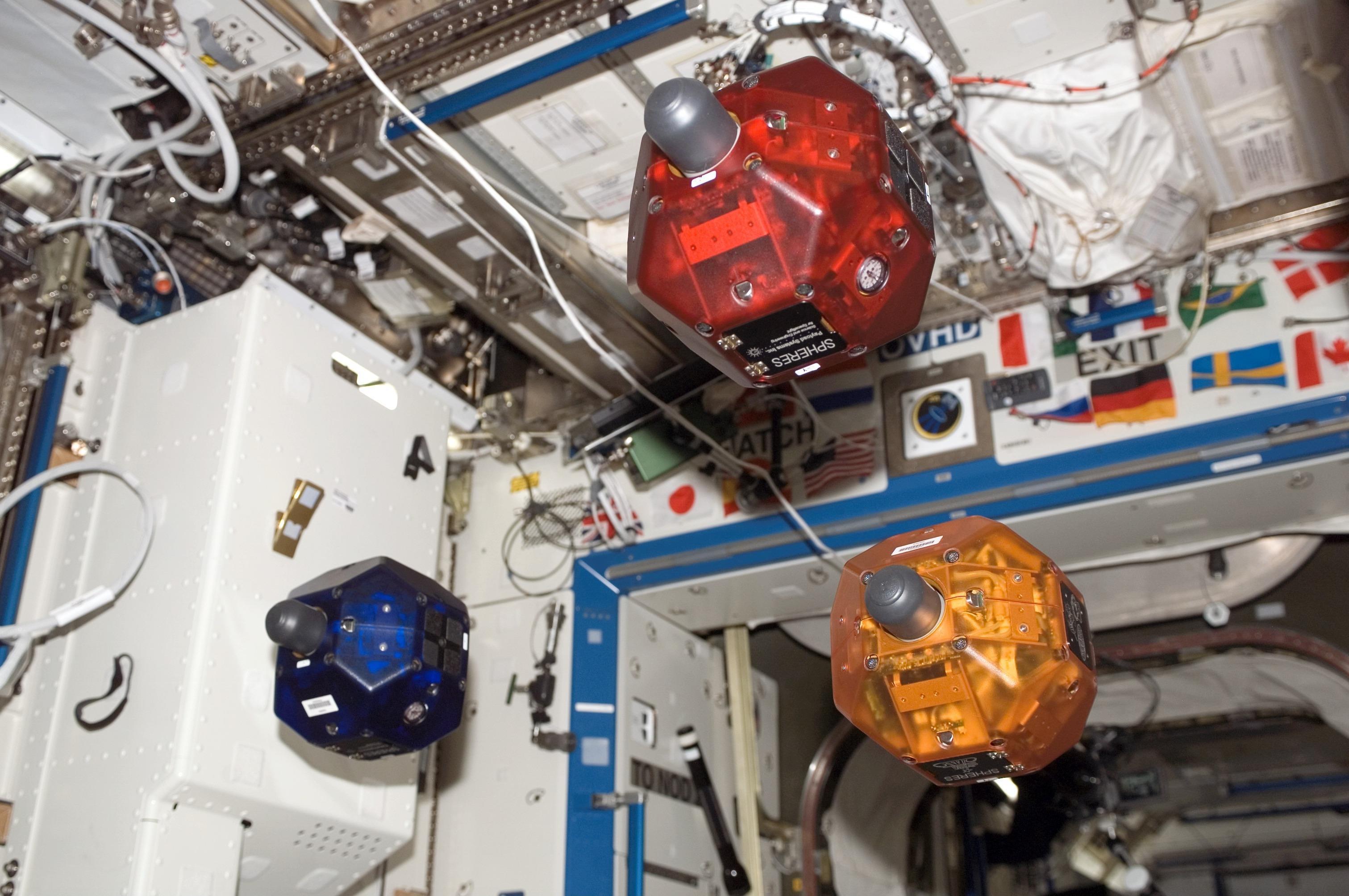 SPHERES-Zero-Robotics2 Verwunderlich Lampen Für Den Garten Dekorationen