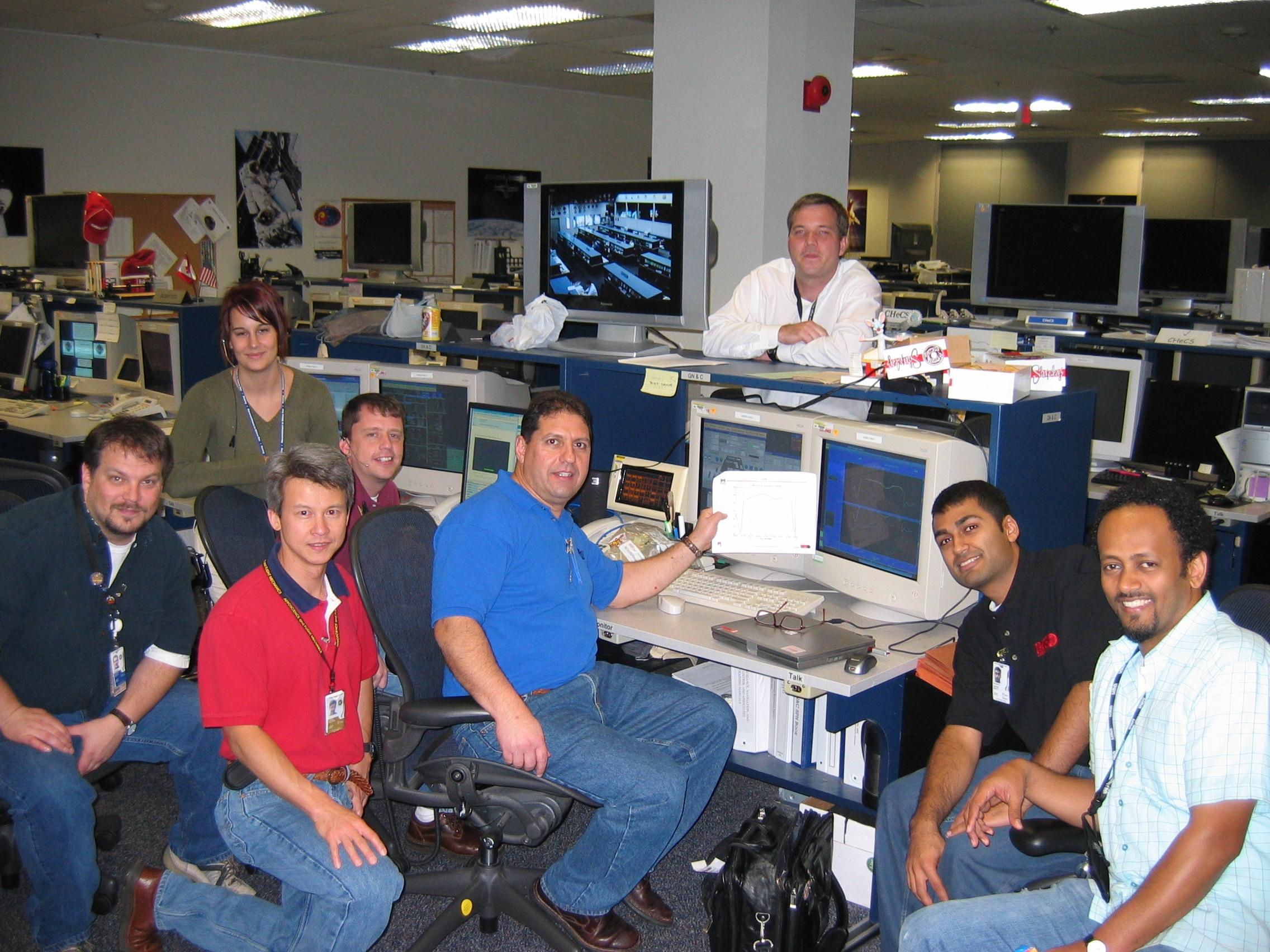 NASA Control Room Employees - Pics about space