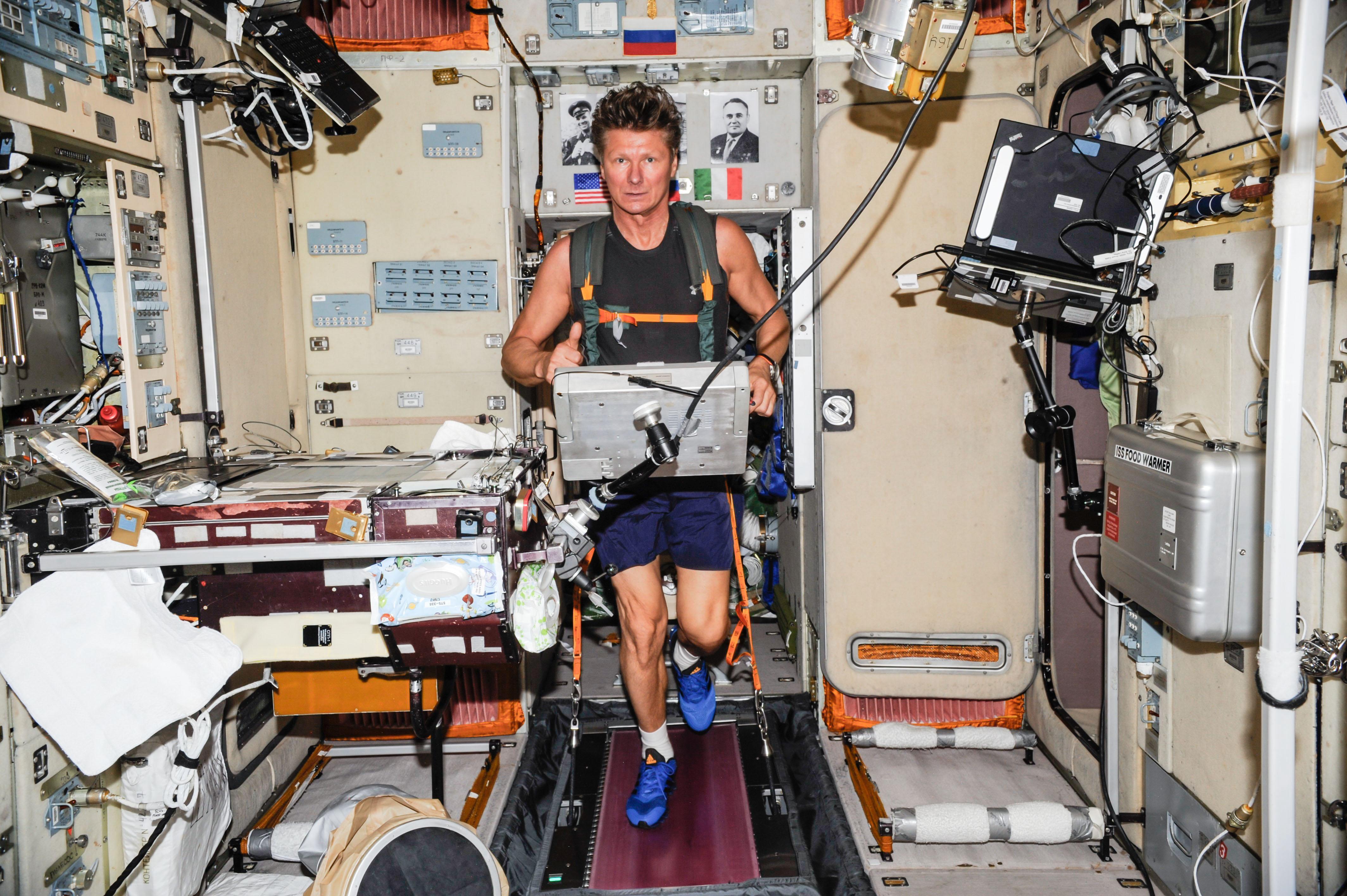 astronaut treadmill workout - photo #22