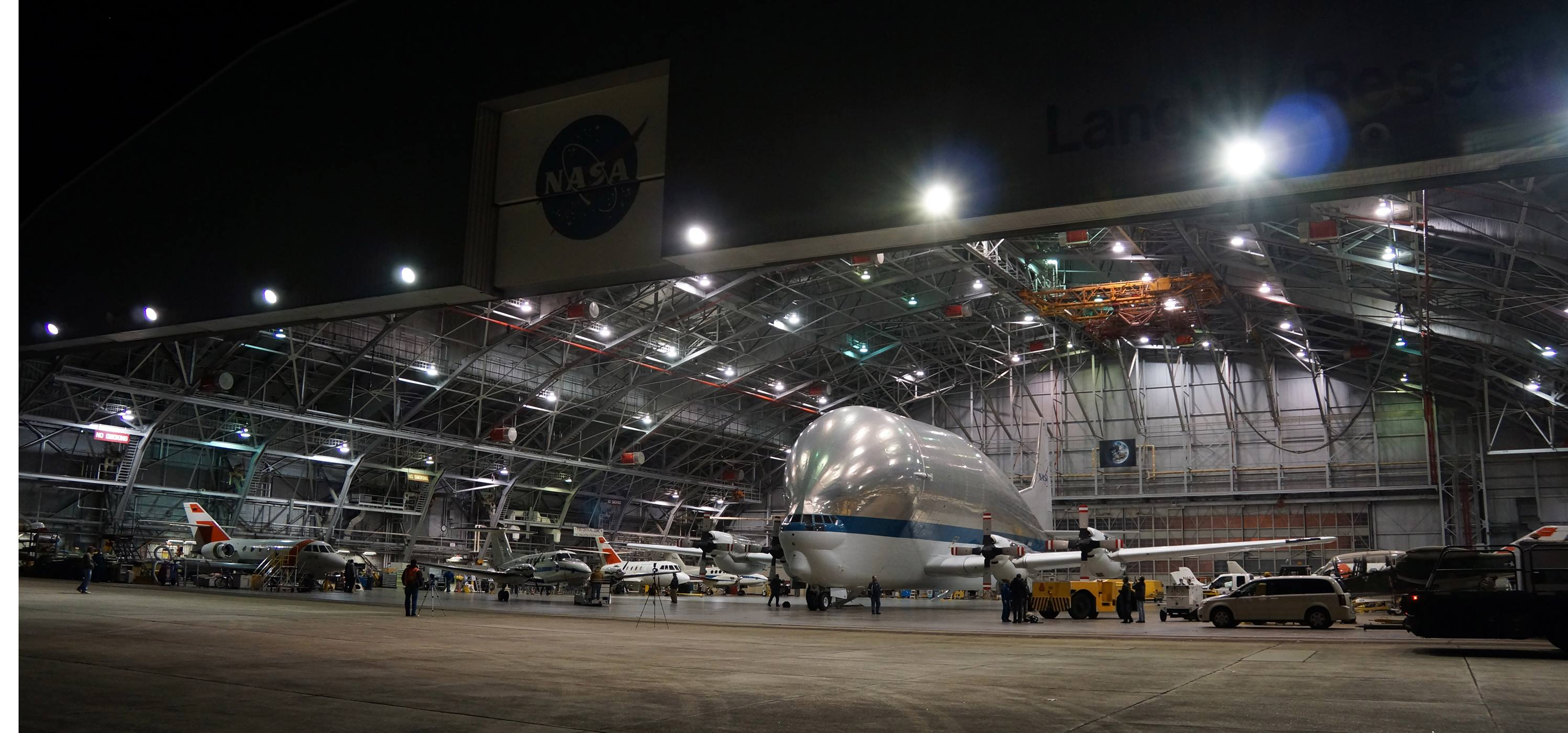 a nasa aircraft in hangar - photo #8