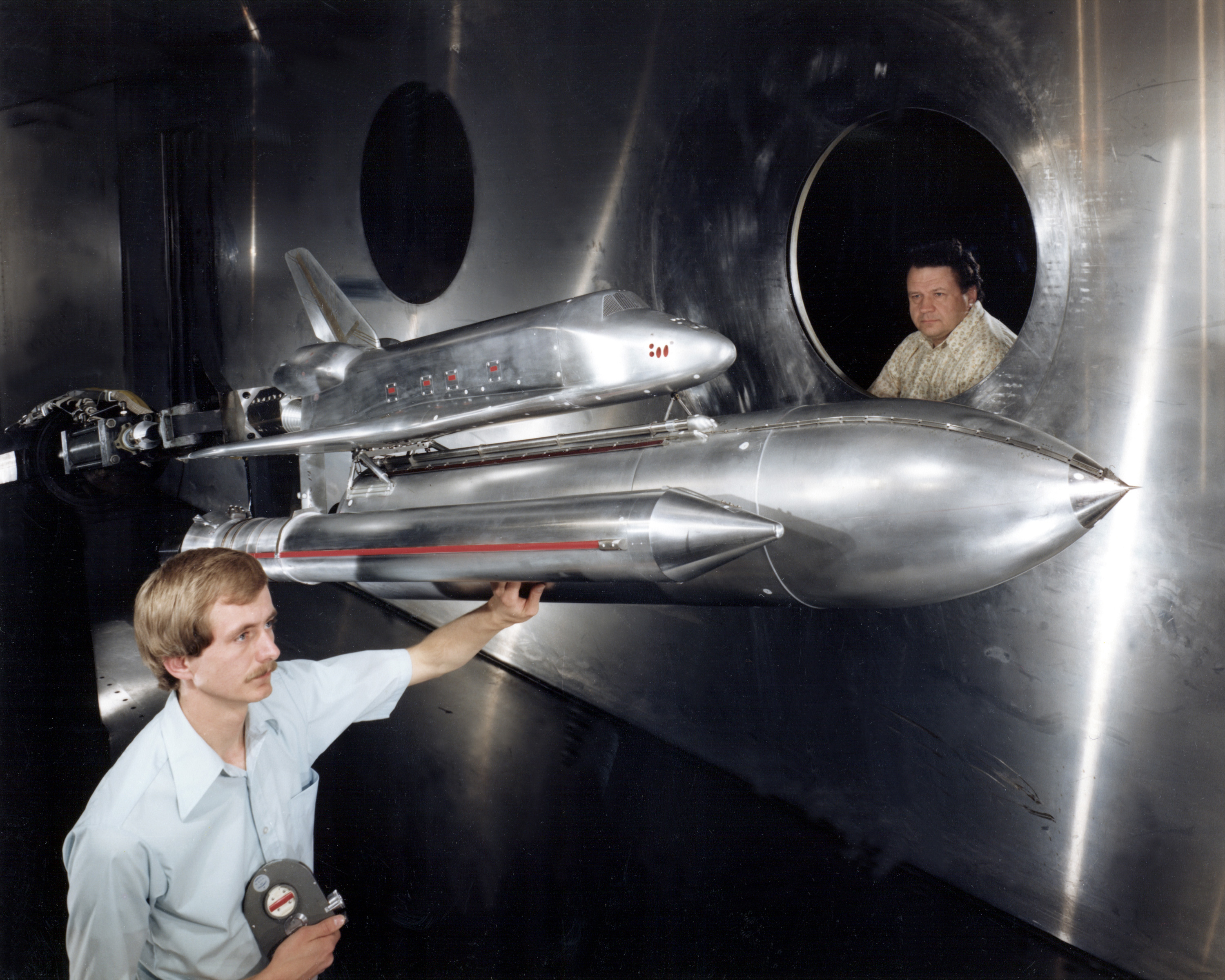 instrumentation of a wind tunnel The only industrial scale wind tunnel in sa  testing instrumentation and analysis engtest has operated for over 20 years to provide industry access to the.