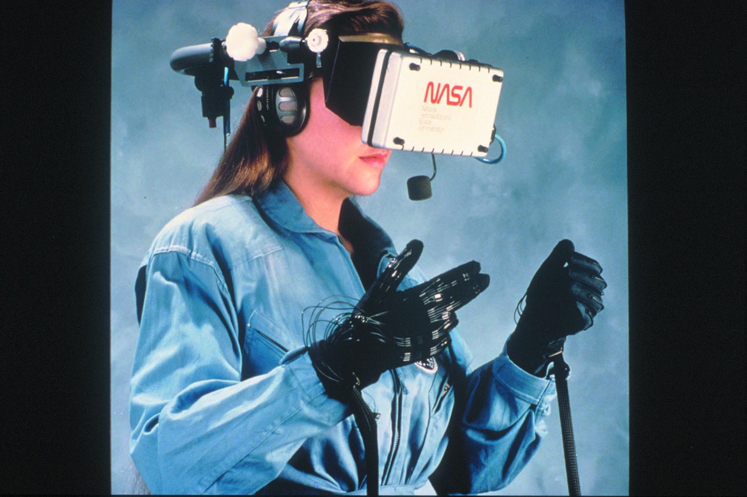 L'elmo della nasa per la realtà virtuale stereoscopica.