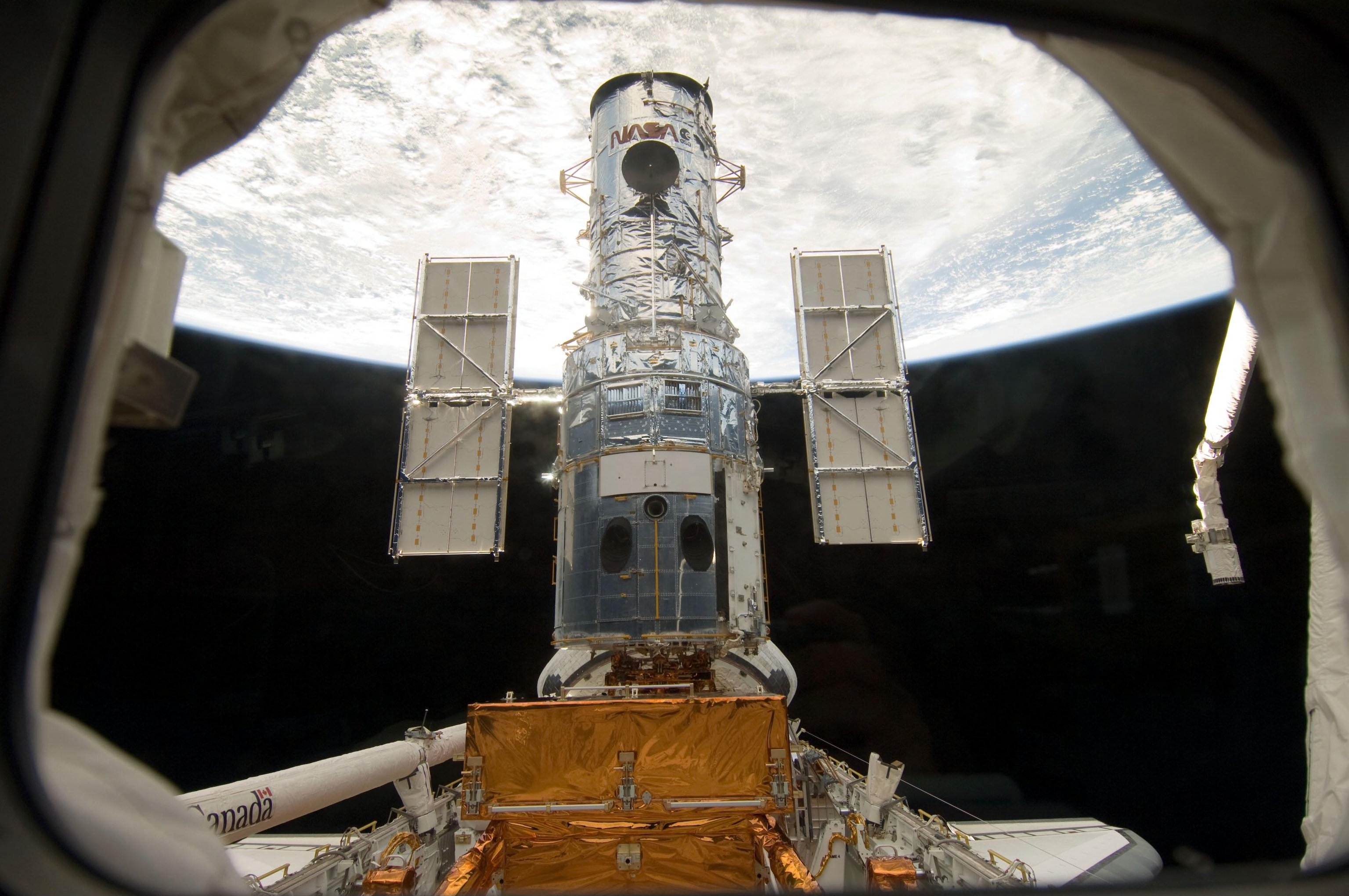 April 1990 - Hubble Space Telescope (HST) Launched | NASA