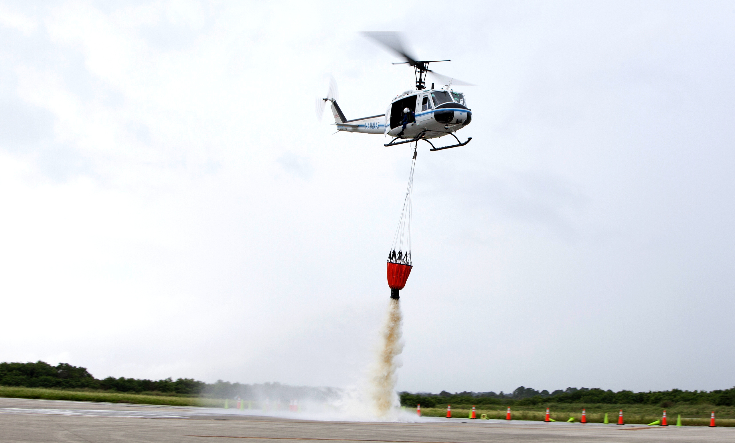 helicopter training video with Bambi Bucket Training Prepares Helicopter Crews For Fighting Fires on Trainingcenterpics additionally 205 additionally Index9548 as well  moreover Open photo.