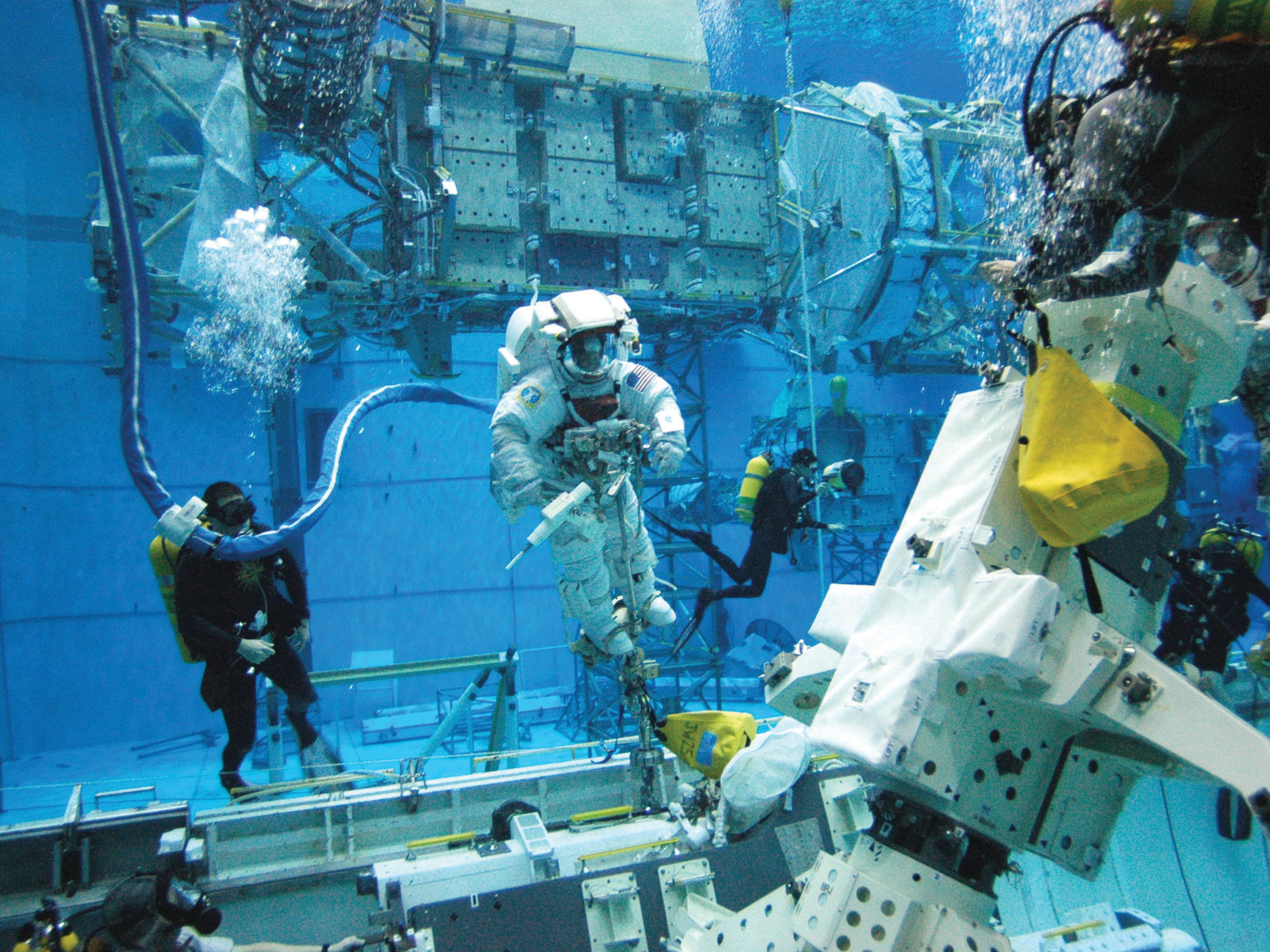 NASA Invites Student Teams to Participate in Underwater ...