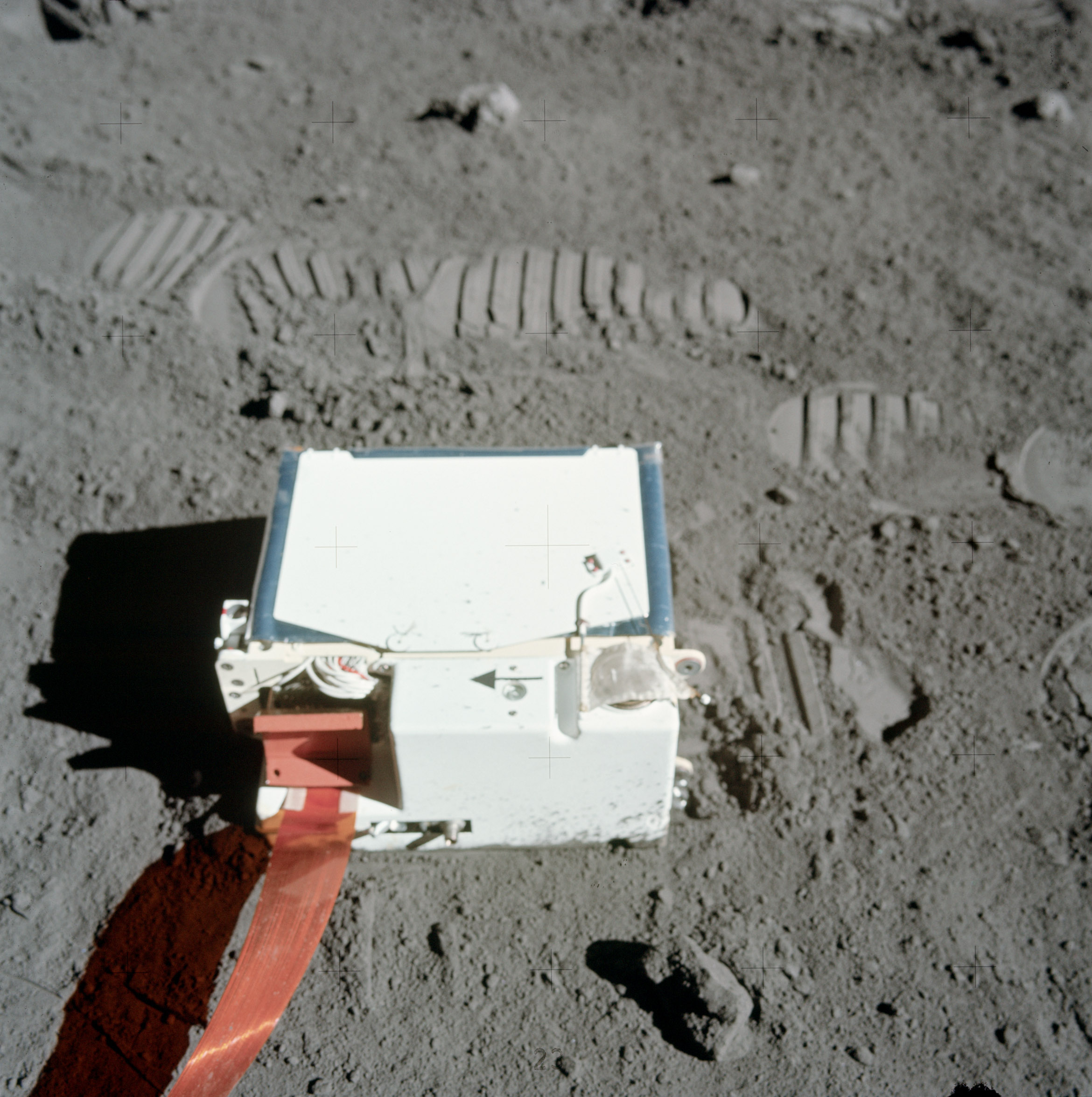 is there an atmosphere on the moon