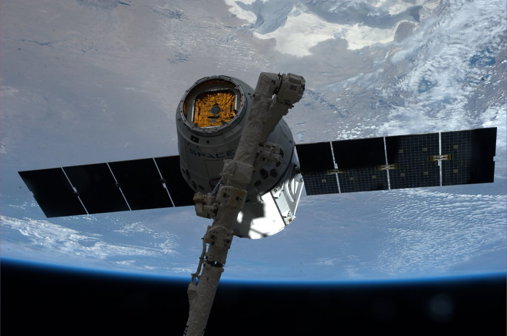 SpaceX Dragon Spacecraft with NASA, Ames Cargo Set for ...