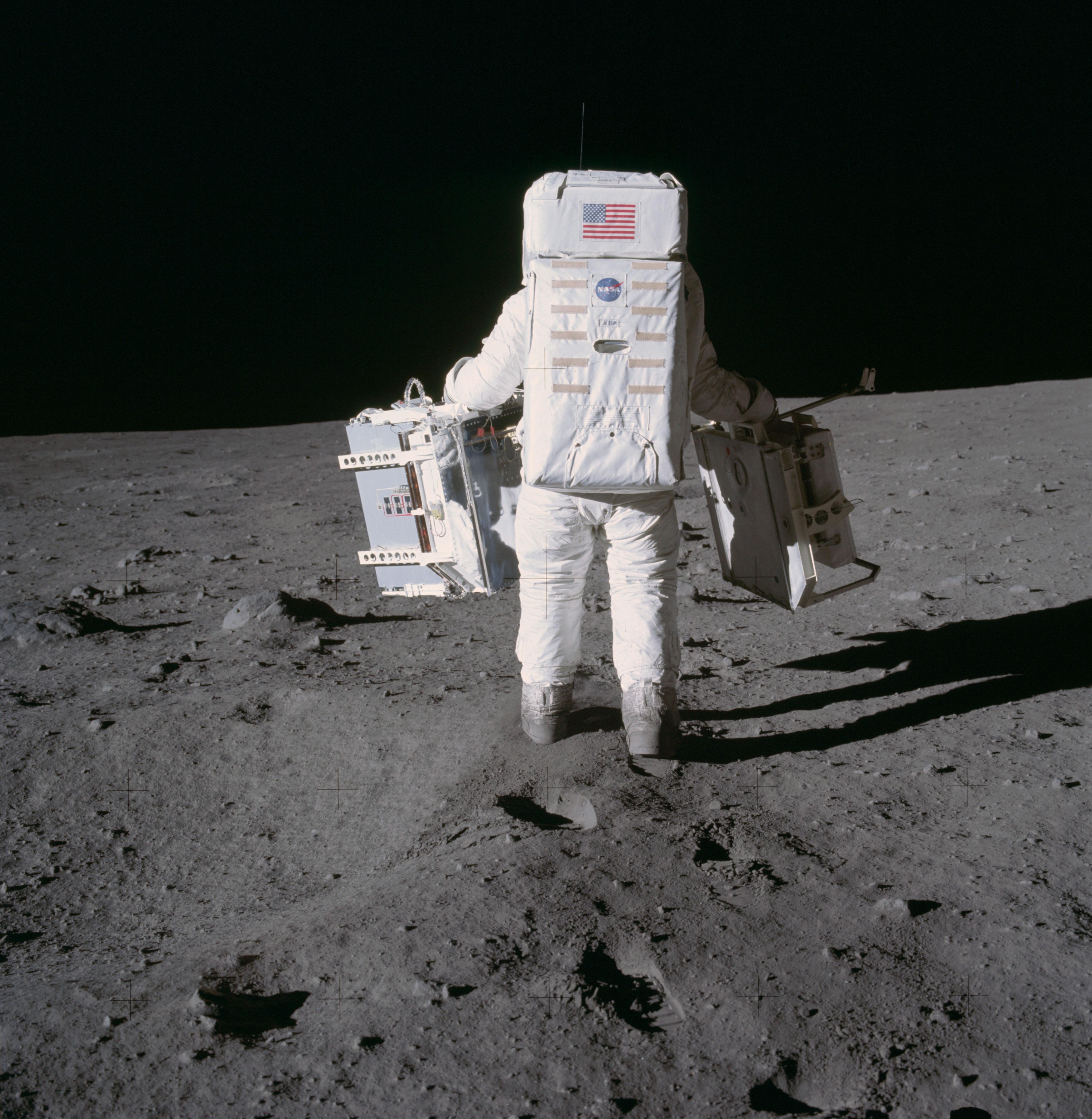 apollo 11 moonwalk - photo #16