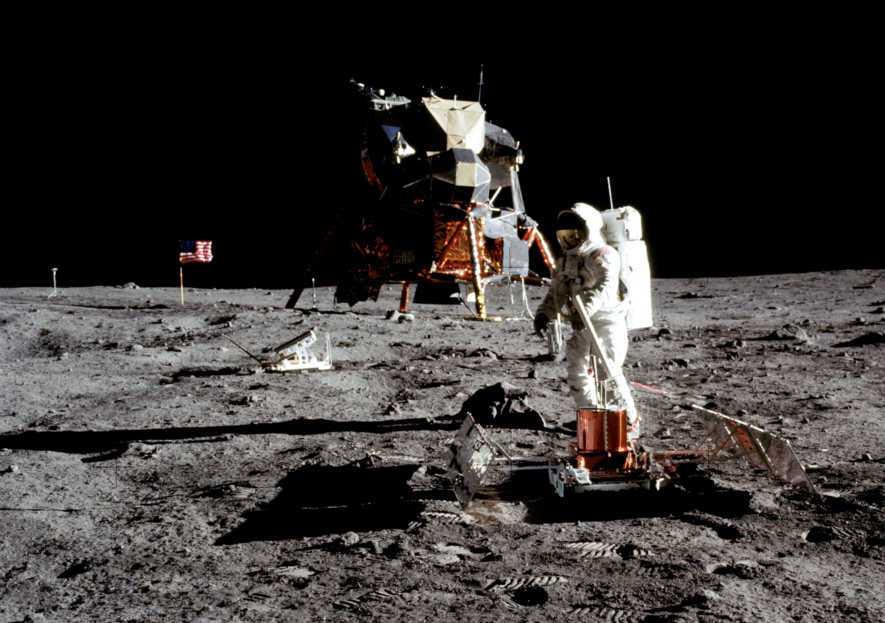 Why Aren't There Stars In The Moon Landing Photos? -Explained
