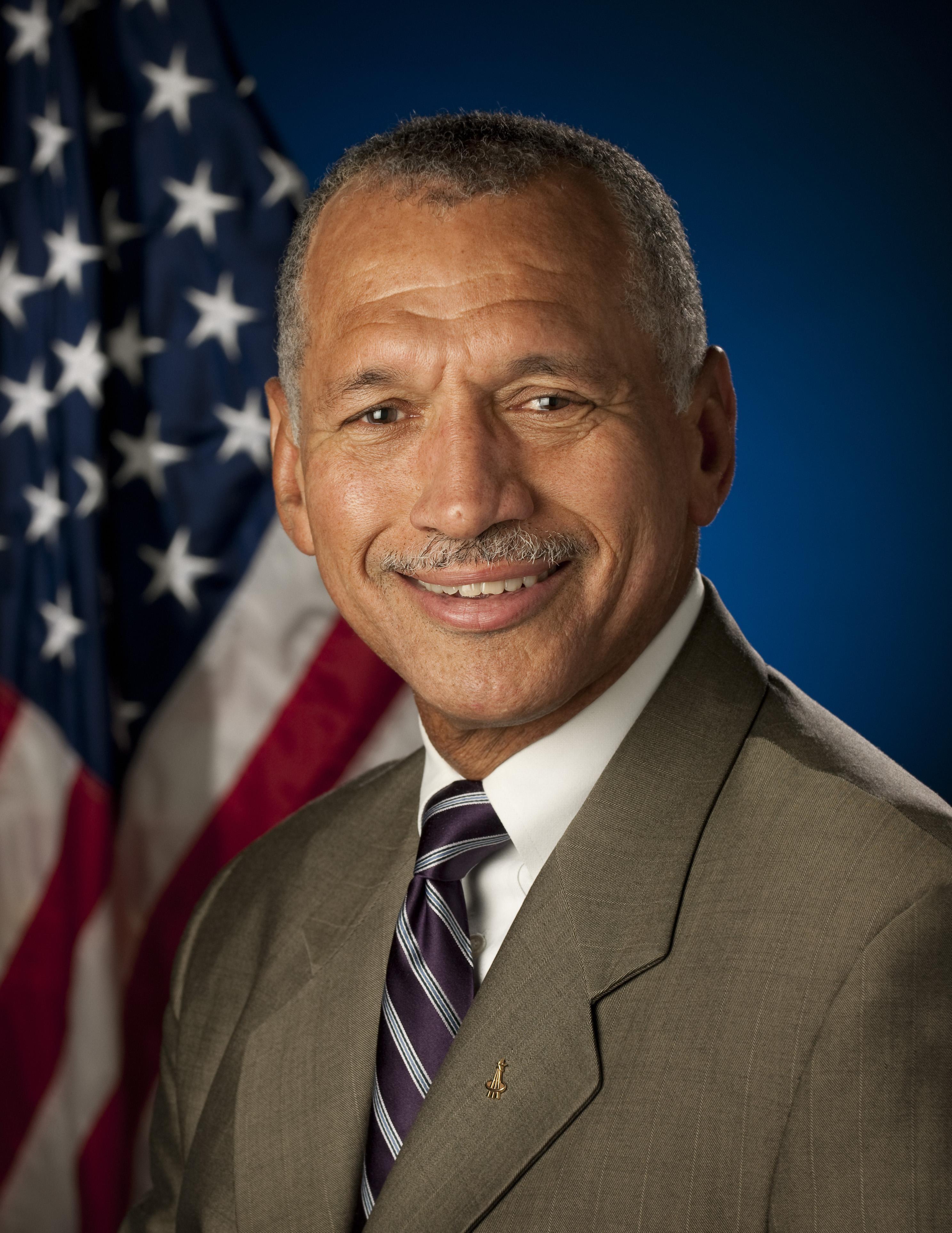 president who created nasa - photo #16