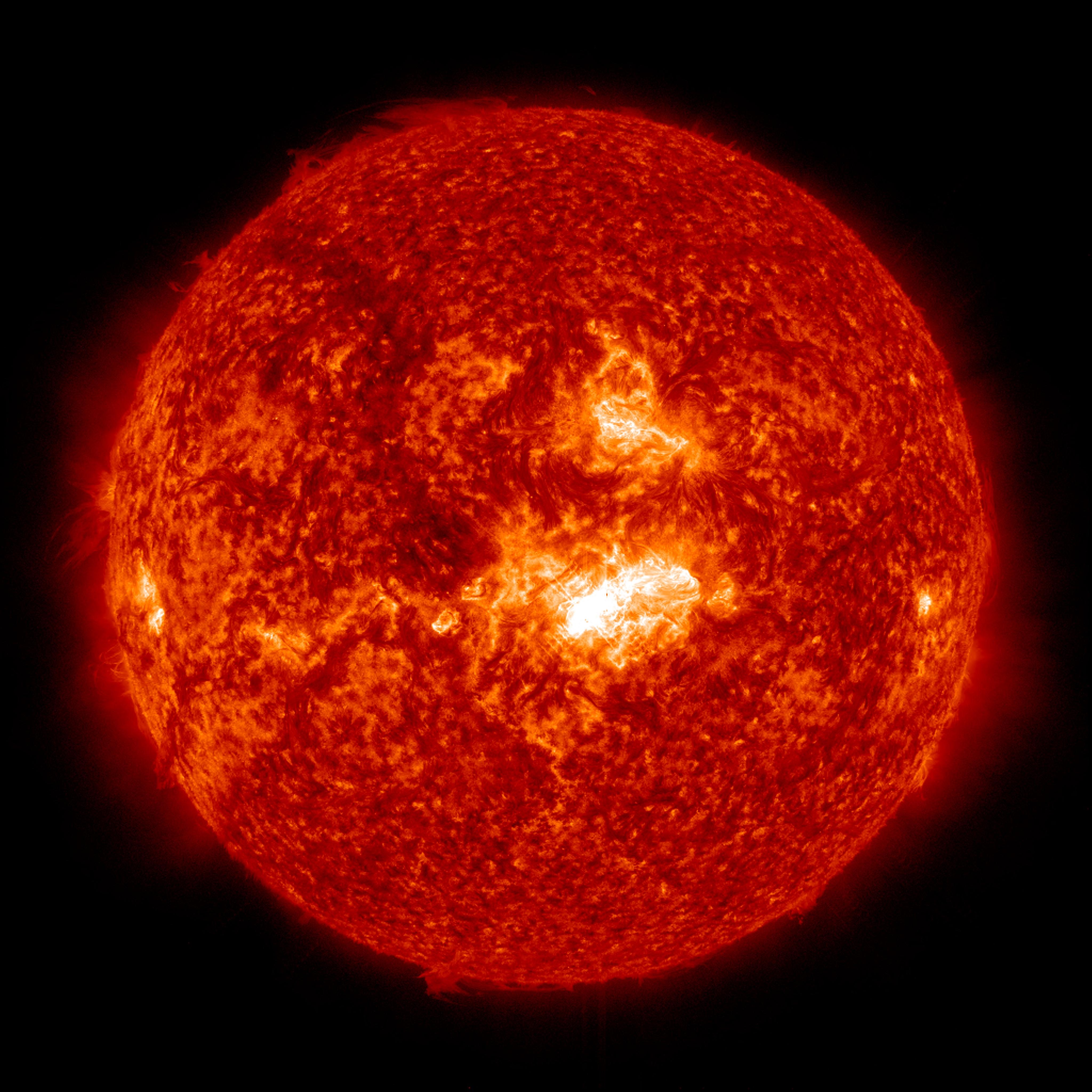 Sun Emits Mid-Level Solar Flare | NASA