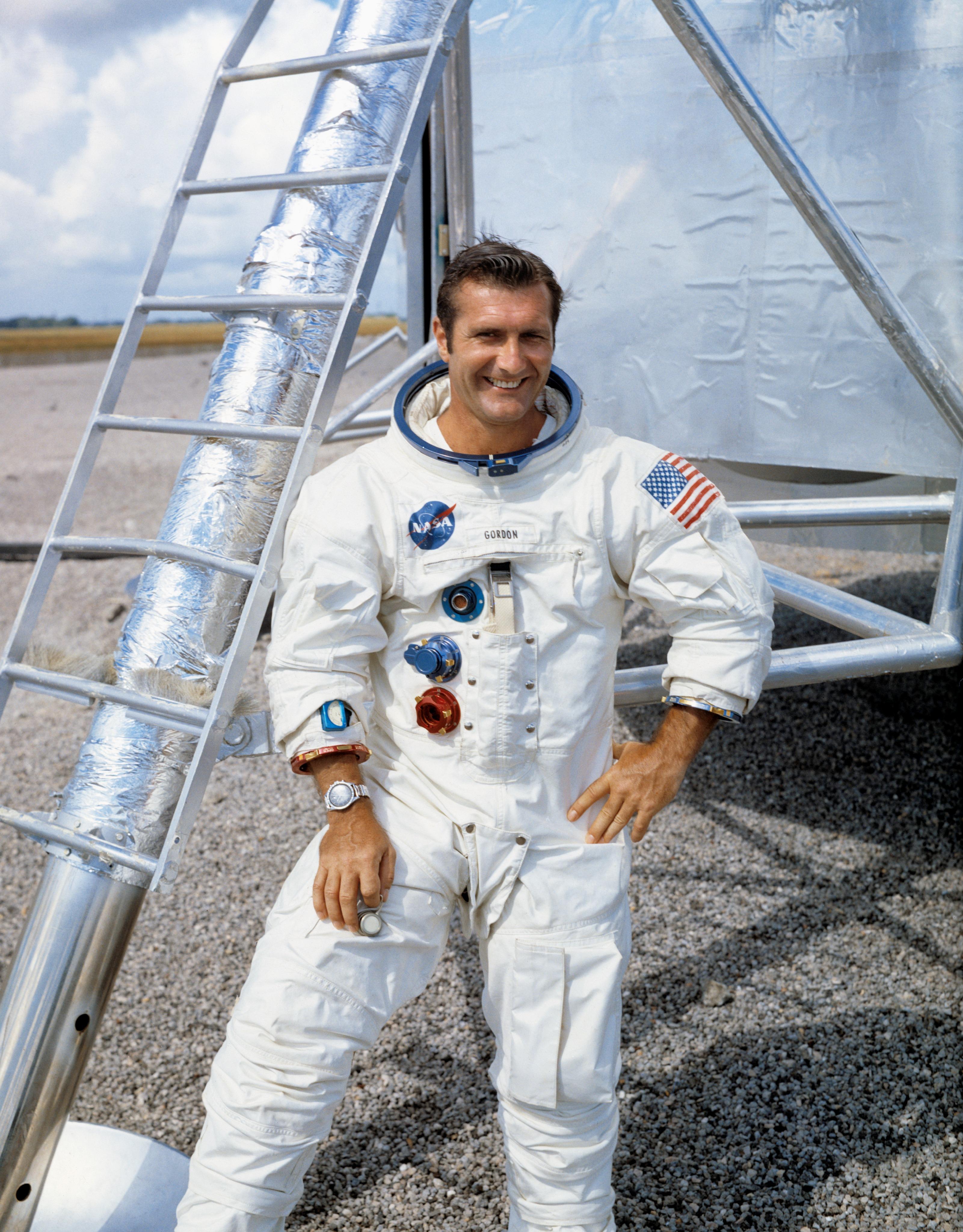 Apollo 12 NASA Astronaut Richard Gordon Signed Photo