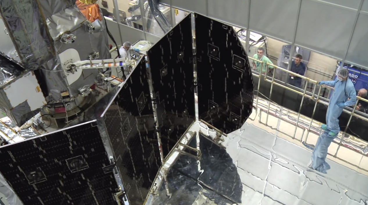 Gpm Spreads Its Wings In Solar Array Deployment Test Nasa