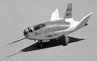 HL-10 lifting body landing
