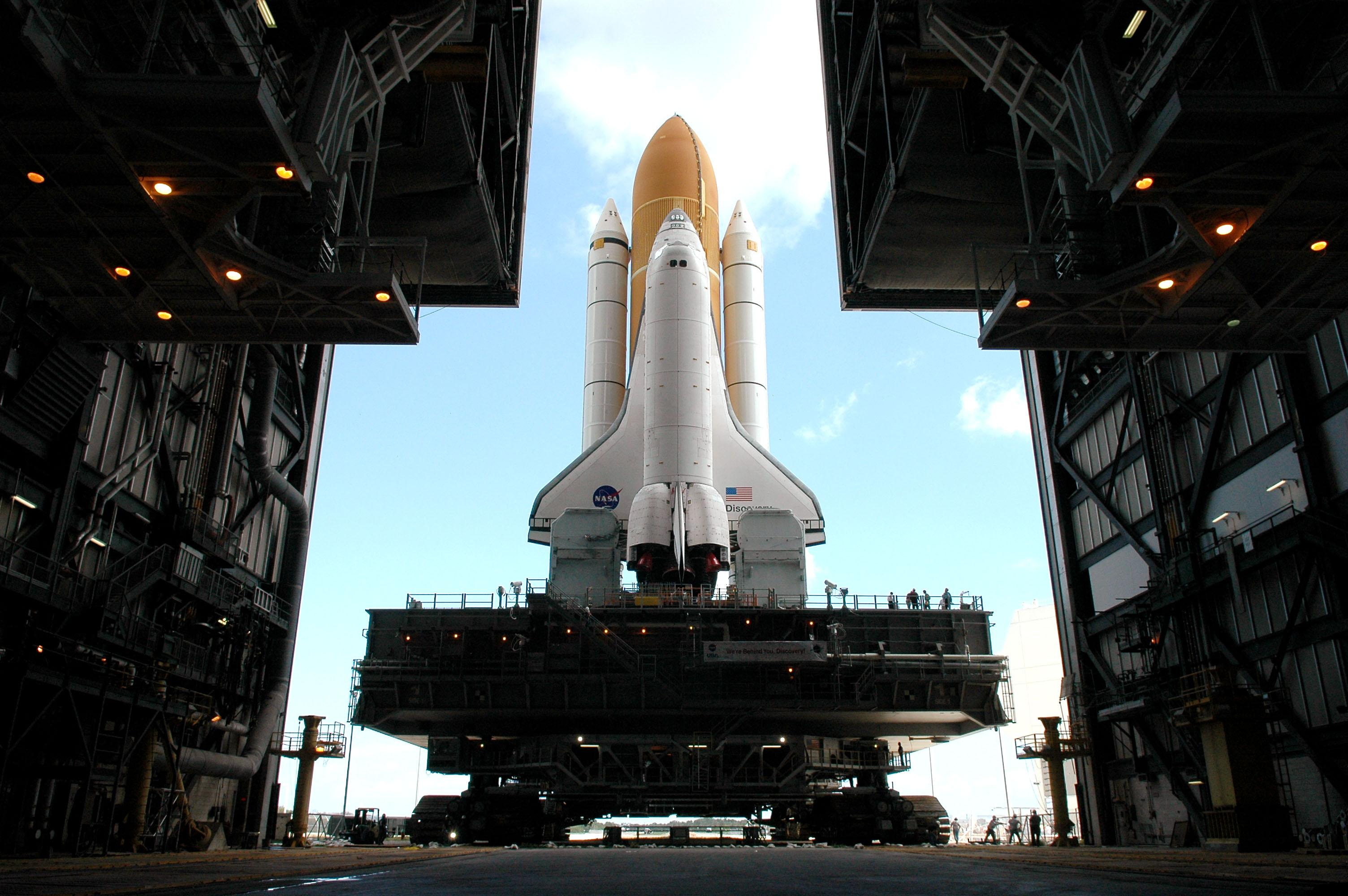 space shuttle discovery wallpaper - photo #20