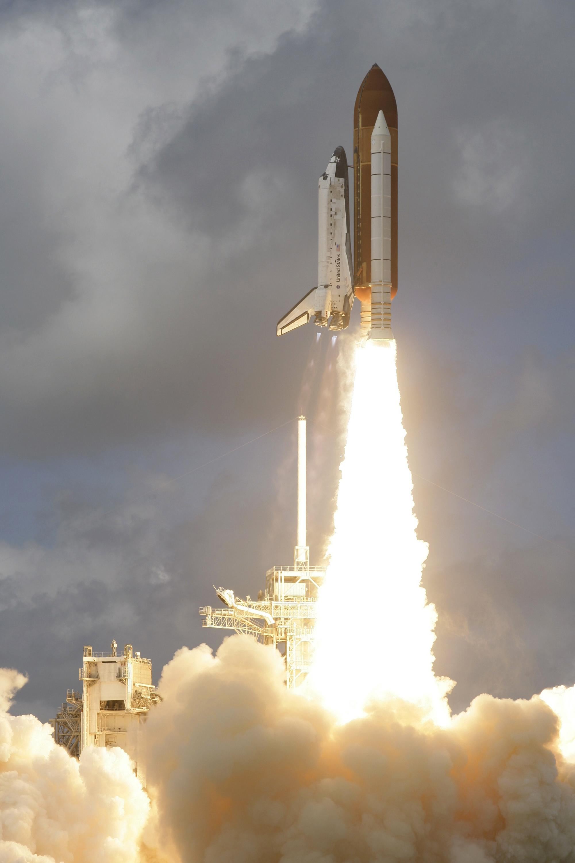 Discovery Lifts Off! |...