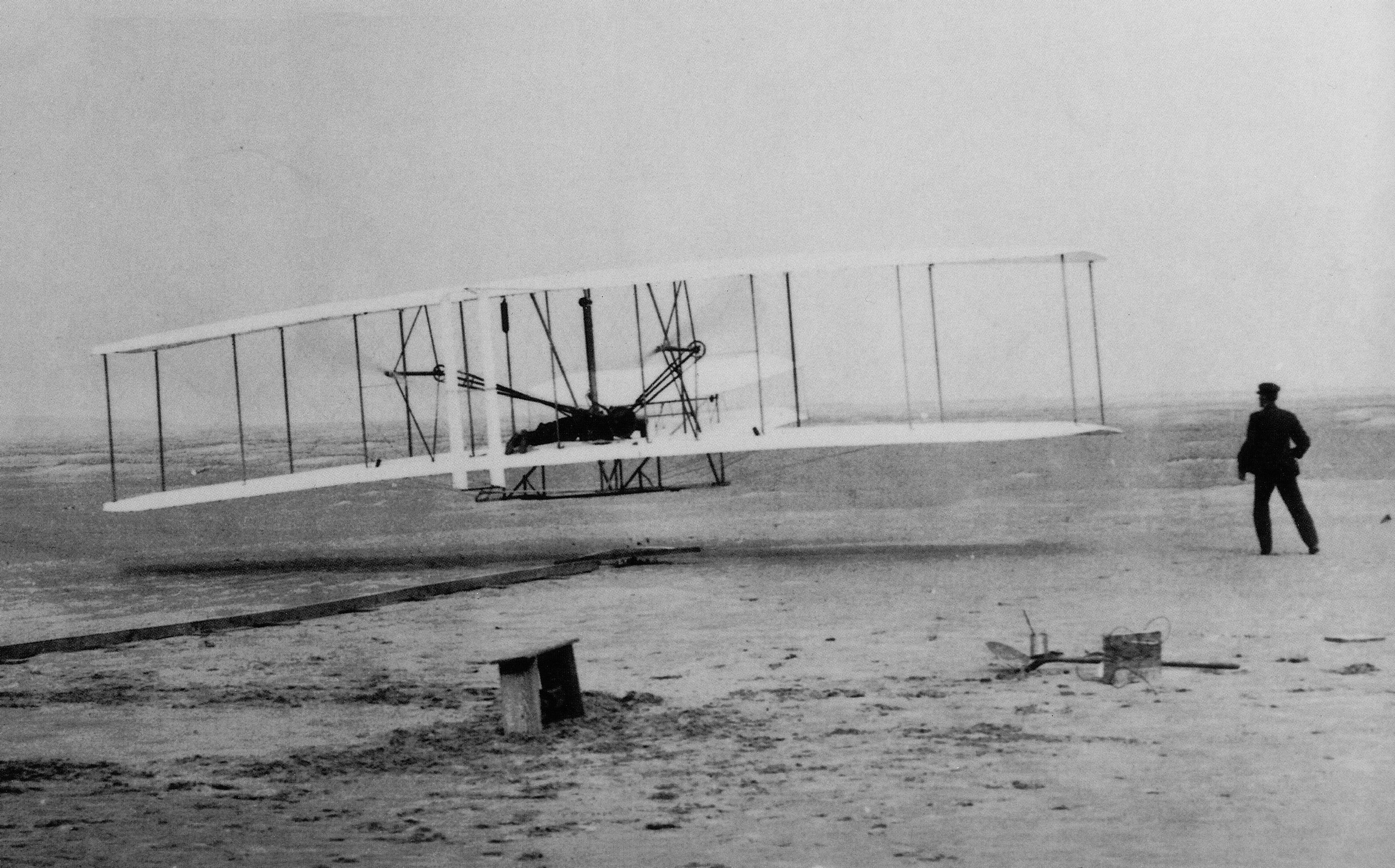 Looks wright brothers the fist plane